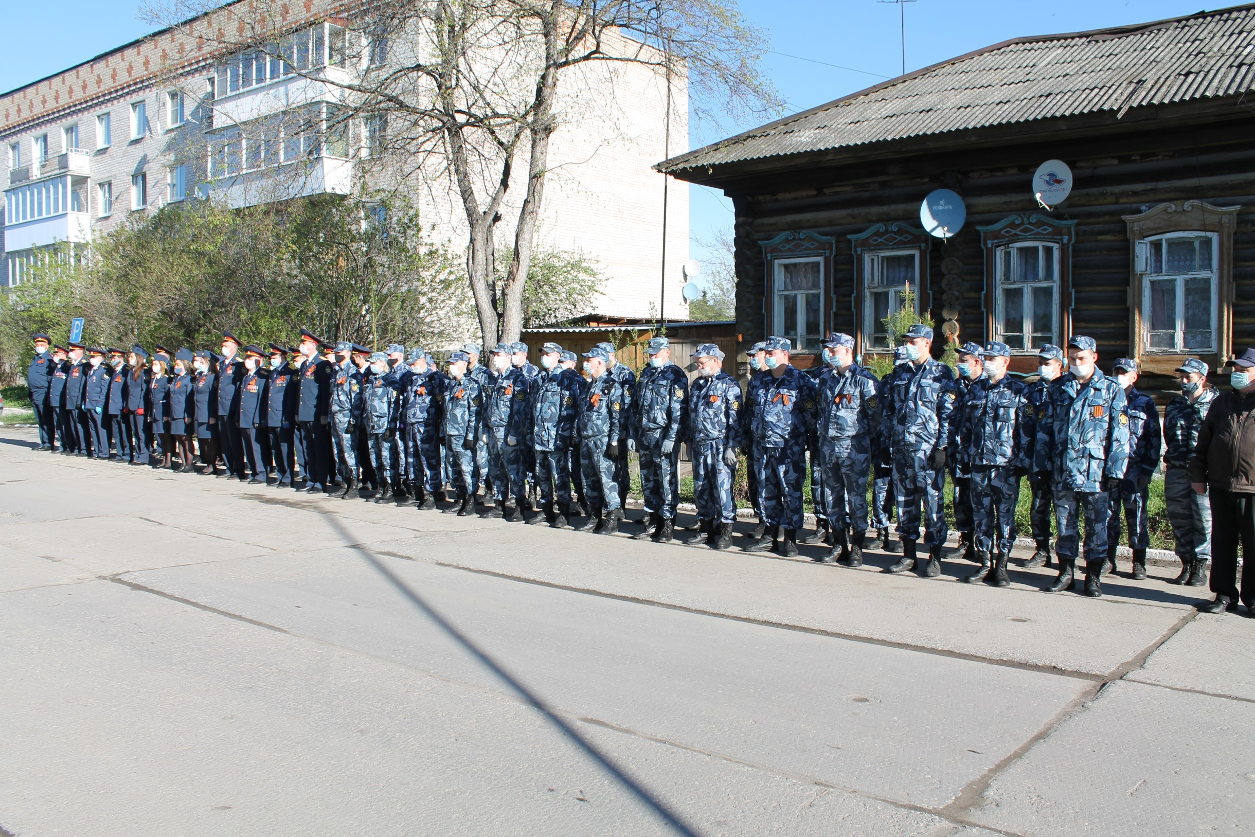 В Ирбите прошло торжественное построение сотрудников СИЗО-2, посвященное празднованию Дня Победы